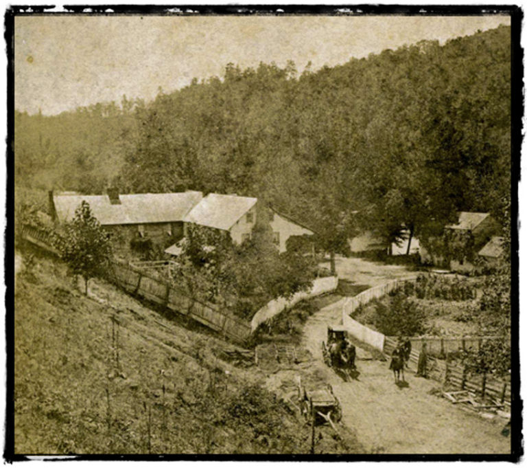An inn on the Buncombe Turnpike
